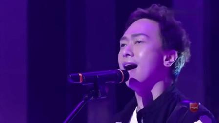 华语乐坛最经典的金曲之一, 旋律一出回忆如泉涌, 听到泪奔!