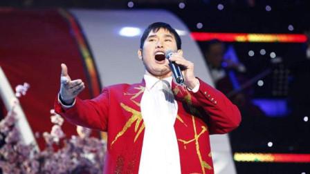 朱之文回家乡献唱, 来了一位比于文华还轰动的女人, 台下歌迷欢呼不断!