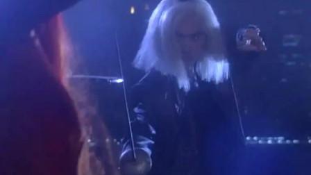 不老传说: 僵尸要收拾美貌女巫师, 竟然说这是要替天行道?