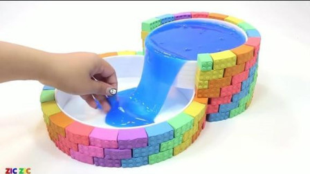 用太空沙做一个双层泳池 玩太空动力沙学颜色 英语启蒙