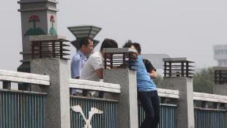 荒唐! 42岁男子向父母要钱遭拒, 竟选择跳桥自杀!