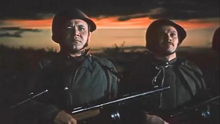 苏军集结重兵发动总进攻, 用大炮坦克狠狠打击德军