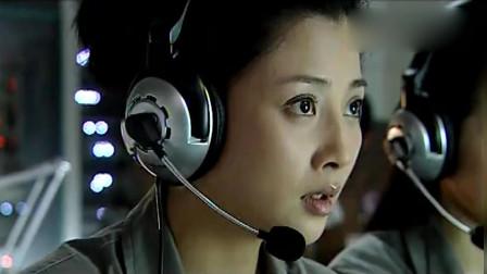 《鹰隼大队》导弹追着飞行员的战机, 真是惊险刺激, 看着过瘾啊