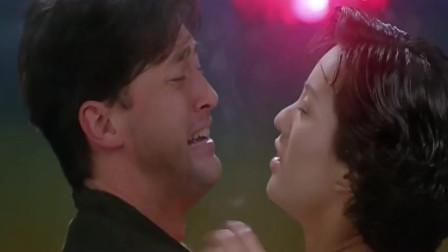 香港恐怖警匪片: 警察王敏德喜欢上美女主播, 彭丹收到意外礼物