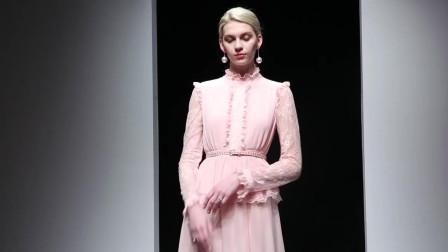 2019春装新款时尚名媛蕾丝荷叶立领压褶收腰蕾丝长袖长款连衣裙