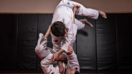 小伙练柔术, 用视频为大家呈现30种常用的柔术技巧!