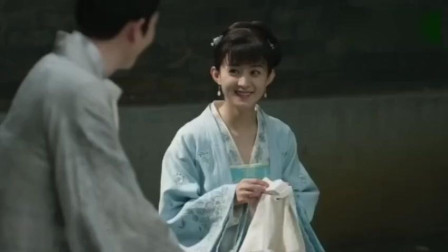 知否朱一龙给赵丽颖送好吃的, 终于牵手太甜蜜