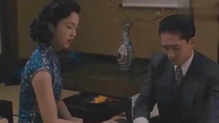 梁朝伟到底有非常爱汤唯, 看了这段视频你就会全明白了!