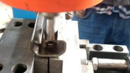 埃瑞特不锈钢哈芬槽铆接机 哈芬槽旋铆机 哈芬槽铆钉机