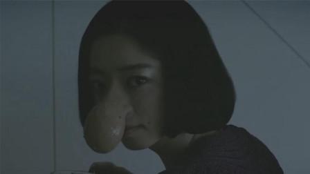 女孩的鼻子可以流出带香味的鼻涕, 将它做成香水后大受欢迎