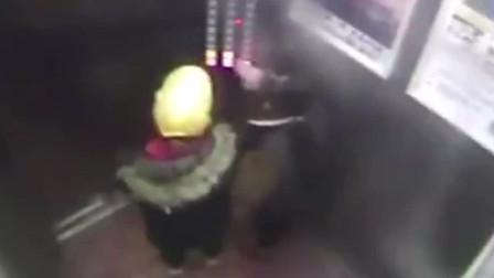 辣报澎湃视频资讯 被困电梯, 看8岁女孩如何镇定自救