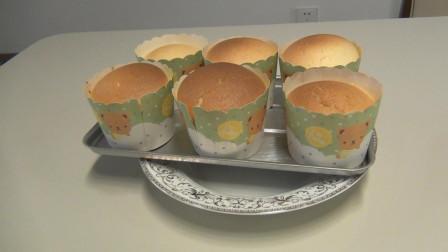 宝贝闺女第一次做烤箱蛋糕, 总结一句话, 烤出来很完美