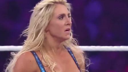 女子摔角 WWE女子摔跤: 打不过就耍赖去脱人裤子 裁判有眼福了