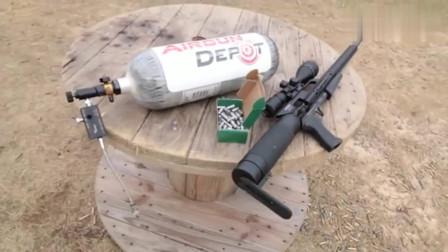 大口径气步枪的威力还真大, 远距离射击水泥砖, 没想到打的粉碎!