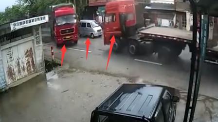 """面包车突然停车, 结果两大货车司机猛烈相撞, 怎一个""""惨""""了得!"""