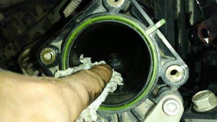 汽车什么情况下才需要清洗节气门? 专业汽修工辟谣, 别再花冤枉钱