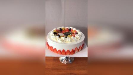 奶油草莓水果蛋糕