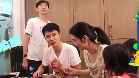 洪欣过母亲节, 张丹峰把节日蛋糕摔烂, 儿子直呼: 三百块啊!