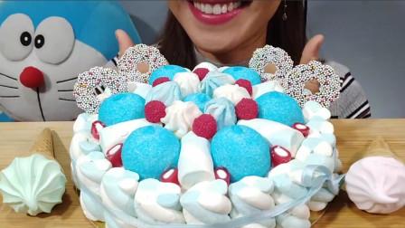 """行旅天下 小姐姐吃""""蛋糕"""",仔细一看全是棉花糖拼的,网友:差一点被骗了"""