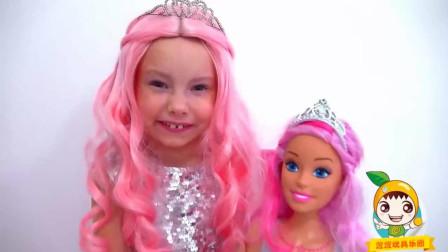 萌娃乐园: 小萝莉打扮成小公主参加时尚派对