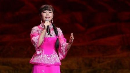 王二妮挑战云朵, 和石头合唱一首《雨花石》, 到底谁的高音厉害?