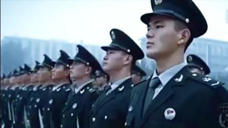女子三军仪仗队, 持枪受阅, 正步雄风!