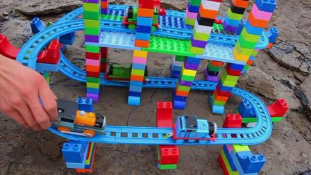 用积木在长江边建铁路大桥