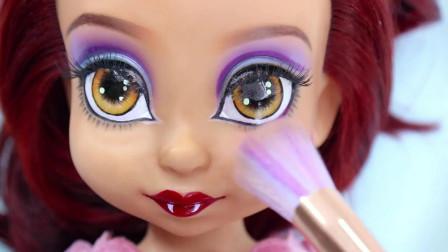 芭比娃娃装扮秀: 将它重铸容颜美妆打造怪物高中狼女