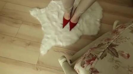 尖头细高跟鞋的鞋跟比香烟还细! 1