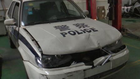 山东菏泽: 疯狂! 男子酒驾遇查强行闯卡 撞坏警车后逃逸
