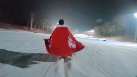 小姐姐穿着汉服滑雪配李玉刚的《清明上河图》火了, 太仙气了, 让人好生羡慕啊