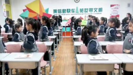 老师雾霾天自编室内操 学生卡路里伴奏做操