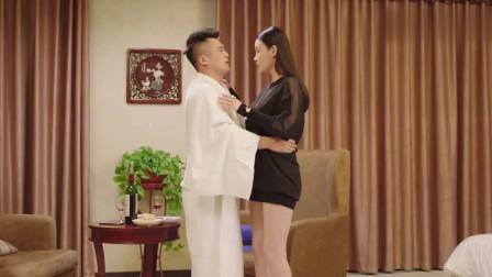 槑头槑脑: 关婷娜和男子在宾馆试戏, 我只看了十遍!