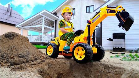 萌宝小正太开挖掘机的样子很像汪汪队的小力呢! 趣味玩具故事