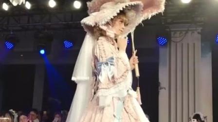 lolita, 花嫁lolita走秀, 猜猜价值多少