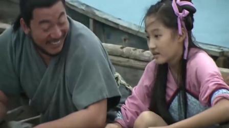 好心女孩把鱼放生, 却不知她救下的是龙太子