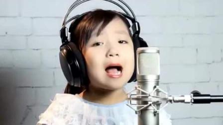 小玉玉《爸爸妈妈你在哪儿》, 唱出孩子想念父母的心声, 感动全场