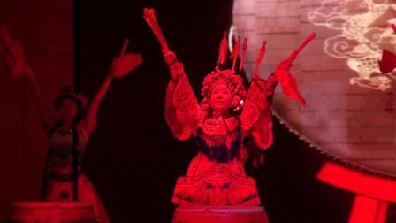中星培训学校跨年晚会开场鼓舞表演《鼓韵京风》
