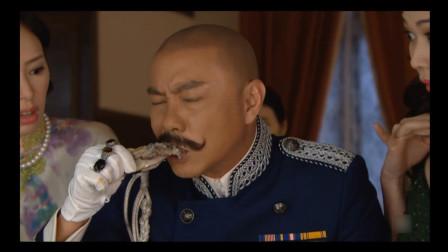 日本人请张卫健吃美女人体宴,他教日本人打边炉