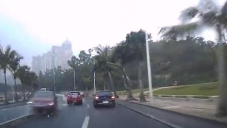 雷克萨斯司机醉驾撞丰田 两车车头近乎报废