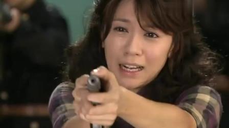侬本多情:法庭上渣男对前妻满满的侮辱,前妻忍受不了,拿枪开了枪!
