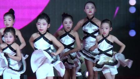 中星培训学校跨年晚会拉丁舞表演《Nobody》