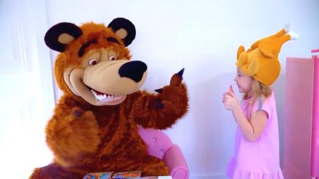 小女孩做蛋糕,大灰狼吃了拉肚子,为什么呢?