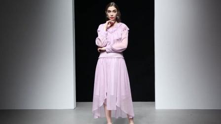 2019春装新款欧美时尚名媛荷叶领复古灯笼袖不规则下摆长款连衣裙