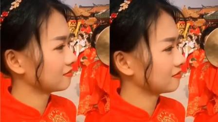这个神似紫霞仙子朱茵的小姐姐火了,一笑倾城,网友:仙女下凡了