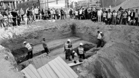 湖南一砖厂修建水库,挖出了20万字失传古籍,考