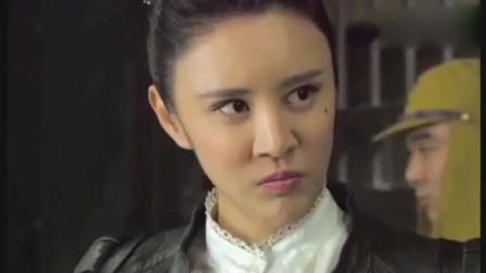 日本女人硬扒开女子眼睛,强行让女子看着自己队友受刑!