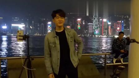 深受香港年轻人的喜爱的神曲,小伙演唱《广东爱情故事》太动听了