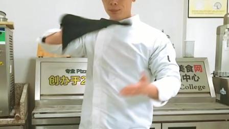 飞饼-披萨制作培训花抛教学手法讲解训练