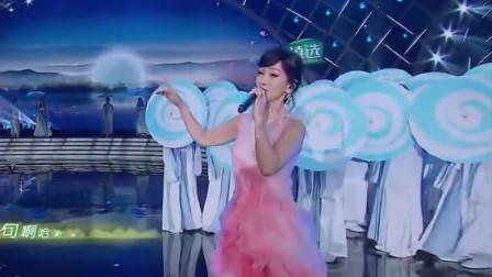 赵雅芝叶童惊艳出场,二人携手再唱经典,小戏骨开场太棒了